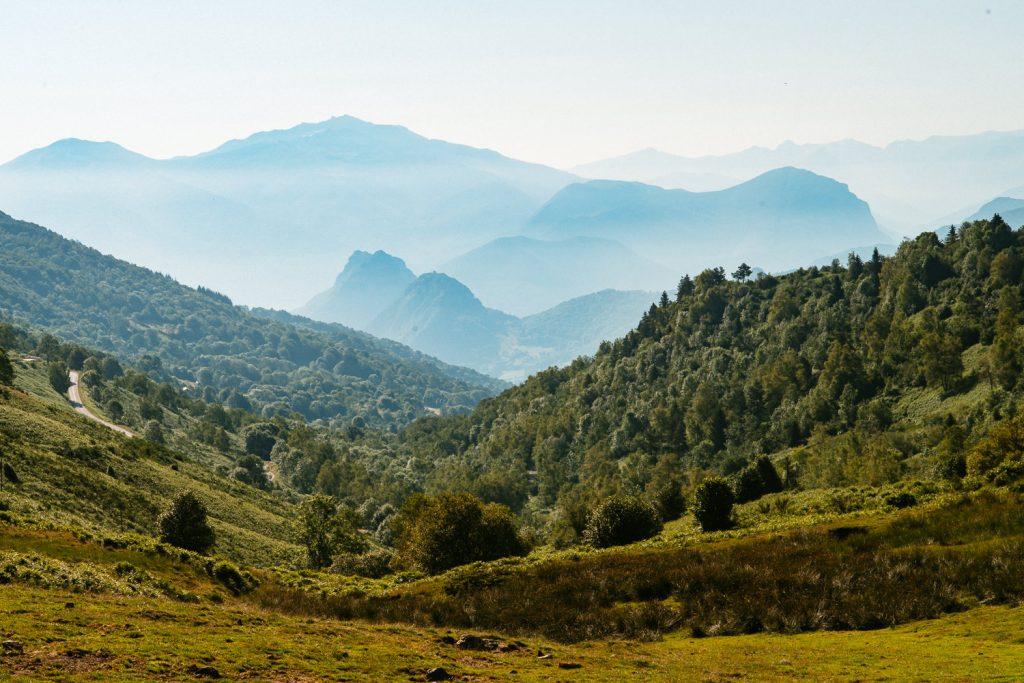 Paysage Montagne Pyrenees Col de Pause Ariege jour d'été