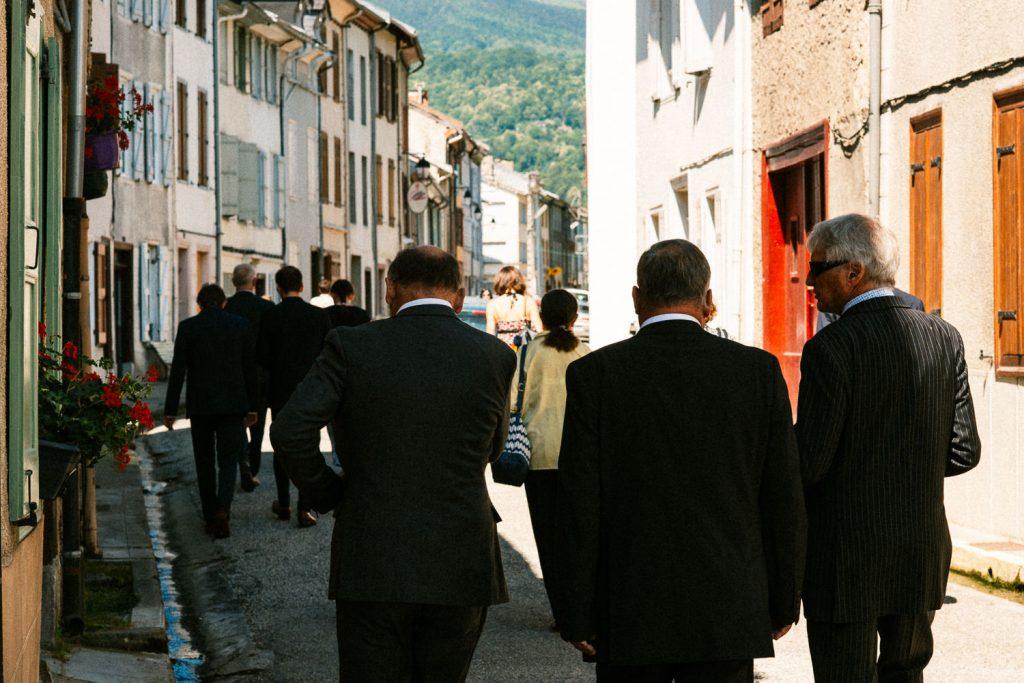 Mariage Civile Ariege procession dans les rue