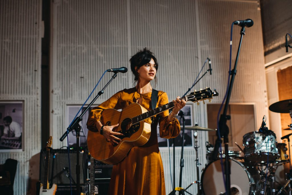 Shira performing song in abbey road studio